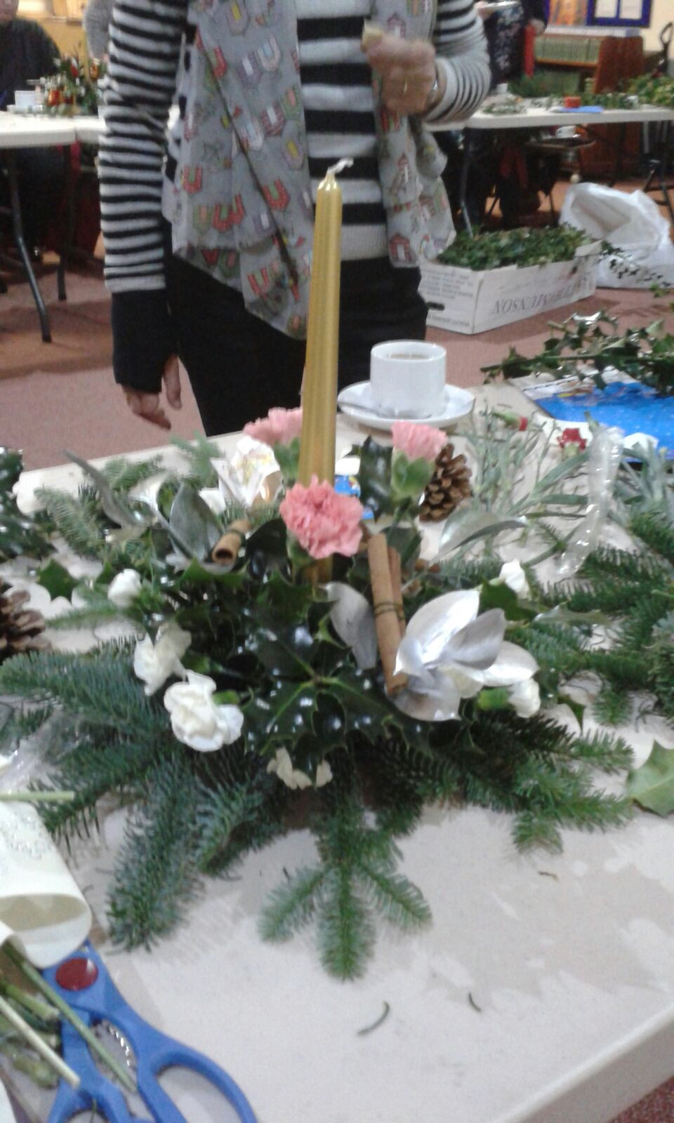2016-11-29-christmas-floral-workshop-by-sue-rollisson-1